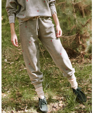 CROPPED SWEATPANT W/ HEART EMBRODIERY