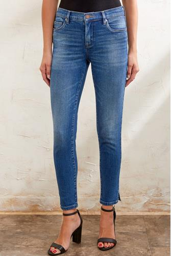 The Reade Mid Rise Skinny Ankle Jean in Radio Silence MEDIUM DENIM