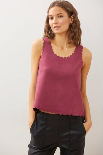 Suede Scallop Tank Top WINE