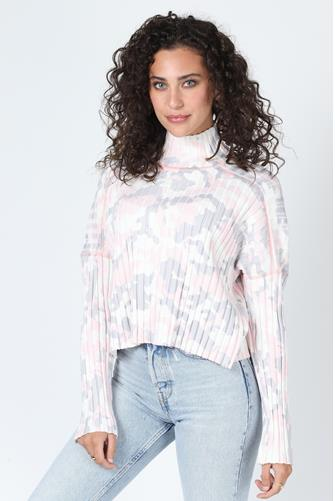 Verbena Camo Turtleneck Sweater PINK