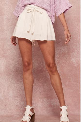Pleated Tie Short OFF WHITE