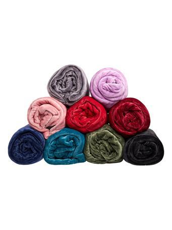 SIGNATURE DESIGN - Super Plush Fleece Solid Blanket BURGUNDY