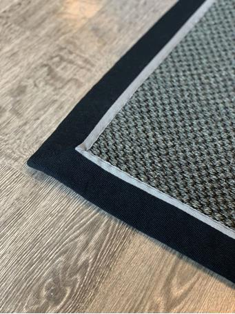 SIGNATURE DESIGN - Woven Sisal Rug With Solid Binding - Assorted Sizes BLK/BLK