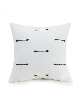 AYESHA CURRY - Zare Clip Square Decorative Pillow WHITE