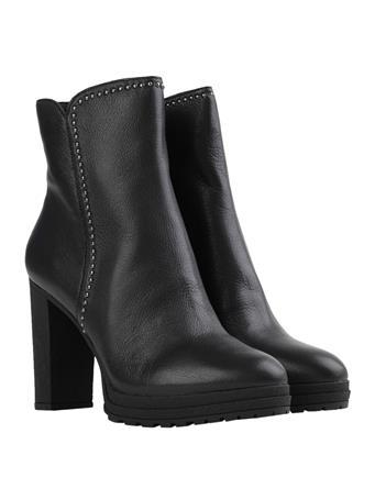 DKNY - Tessi Stud Platform Boot BLACK