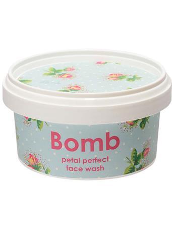 BOMB - Petal Perfect Face Wash 210Ml No Color
