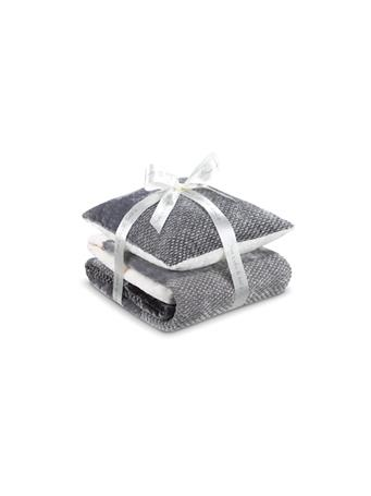DORMEO - Throw & Pillow Set GREY