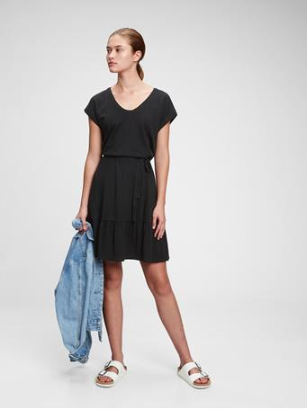 GAP - V-Neck Tiered Dress TRUE BLACK