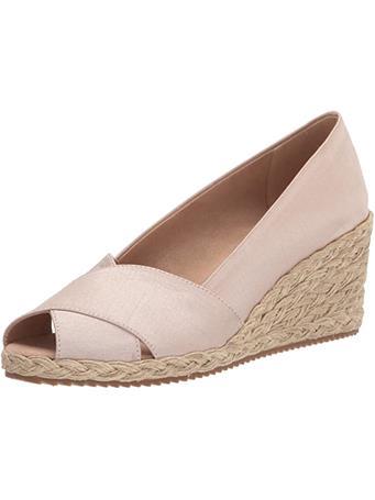 ANNE KLEIN - Women'S Ezzie Wedge Sandal CREAM