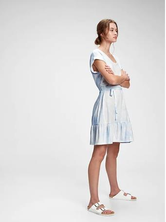 GAP - V-Neck Tiered Dress CLOUDY BLUE TIE DYE