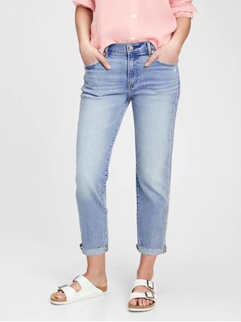 GAP - Mid Rise Girlfriend Jeans MEDIUM INDIGO 8