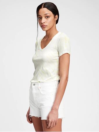 GAP - 100% Organic Cotton Vintage Tie-Dye V-Neck T-Shirt YELLOW TIE DYE