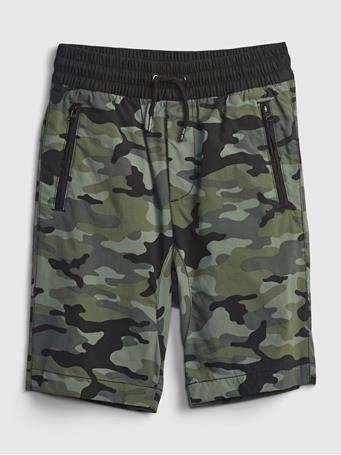 GAP - Kids Pull-On Hybrid Shorts with QuickDry. CAMOUFLAGE
