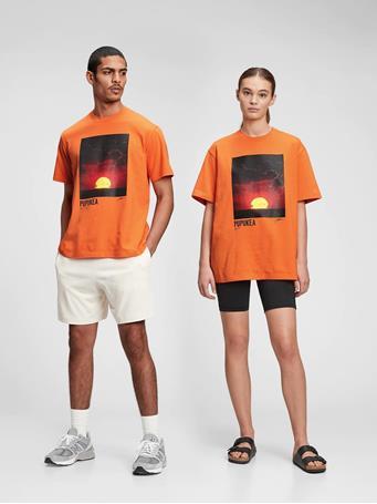 GAP - 100% Organic Cotton Graphic T-Shirt SUNBURN ORANGE