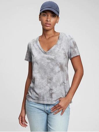 GAP - 100% Organic Cotton Vintage Tie-Dye V-Neck T-Shirt SIMPLY BLUE TIE DYE