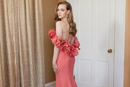 Amanda Seyfried's Custom Golden Globes Gown