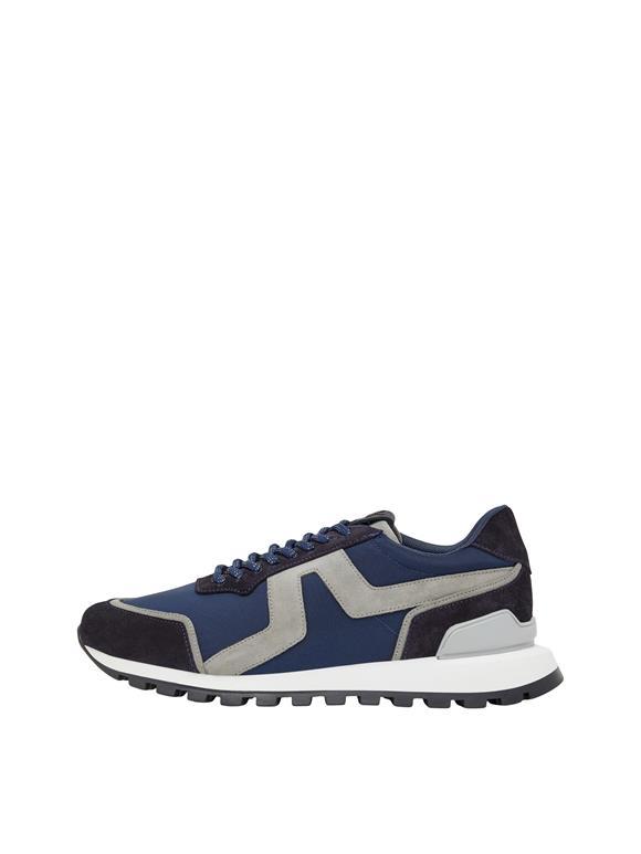 Bridge Runner Sneaker