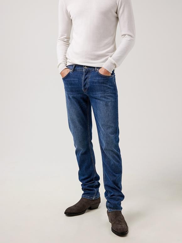 Cody Mid Indigo Jeans